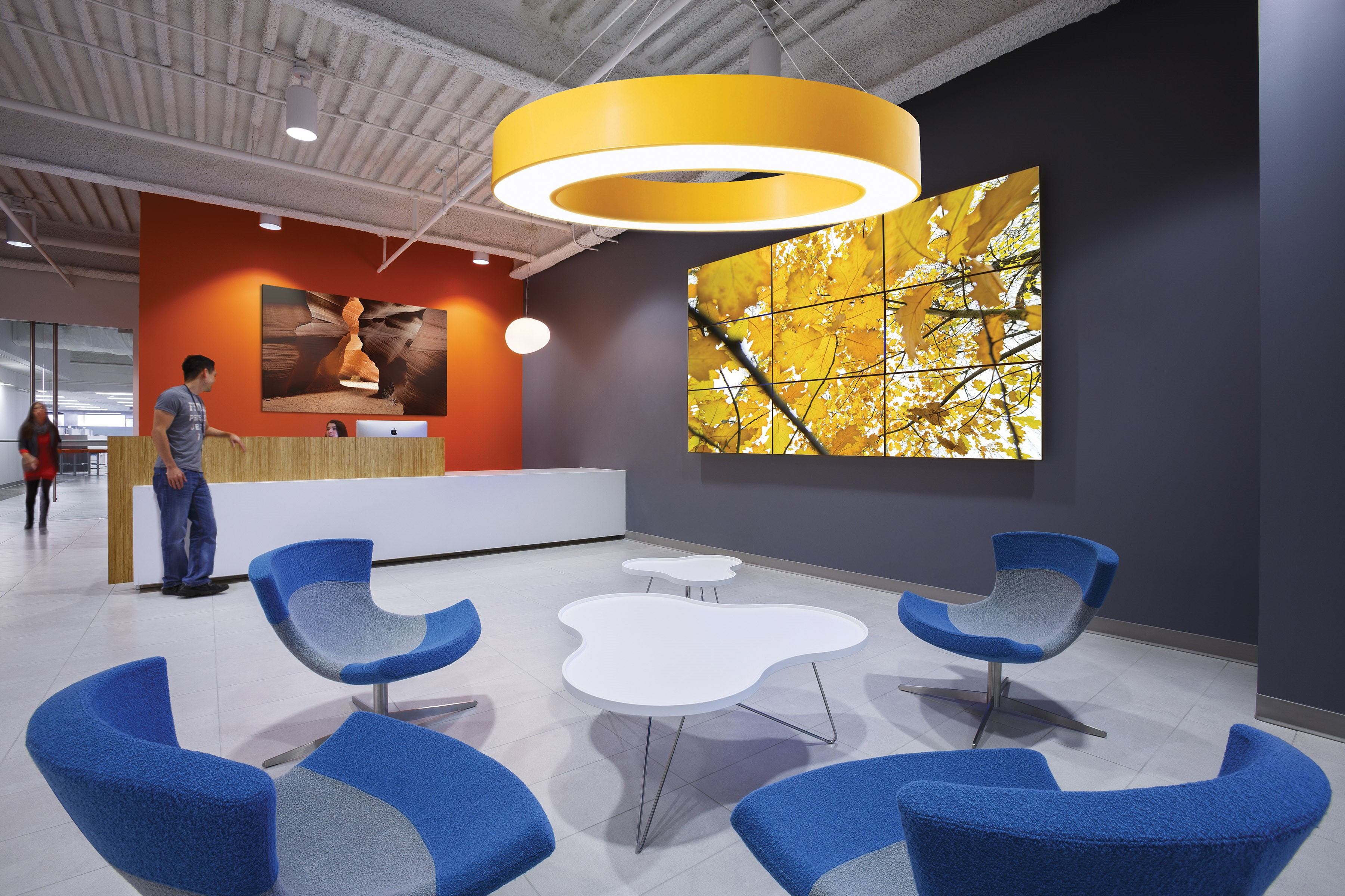 Prudential Lighting Advent Business Interiors
